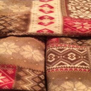 Other - Fleece set set .... Twin size